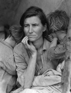 Dorothea LANGE (1895-1965), Mère migrante, 1936, Tirage argentique, 28,3 x 21,8, Washington, Bibliothèque du Congrès.