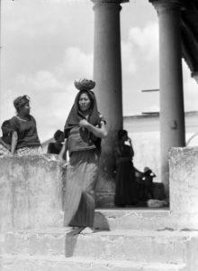 T.MODOTTI ( 1896-1942), Femme de Tehuantepec, 1929