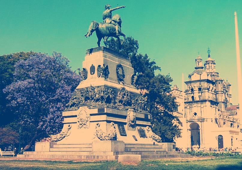 Monumento al General San Martín y a los Ejércitos de la Independencia - Argentina
