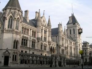 Royal court : sjiong, sur http://www.flickr.com/photos/sjiong/109817932/