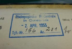 Eingangsstempel der Adolf-Reichwein-Hochschule 1955 (NLA OS Dep 103 Akz. 2015/93 Nr. 2)