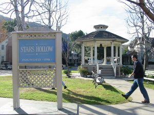"Stars Hollow: ""Gilmore Girls Set 1"" by Noelle and Mike, cc: by-nc-nd"