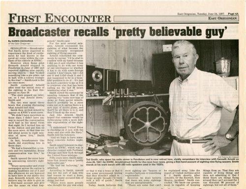 Article consacré à Ted Smith dans le cadre du numéro anniversaire de l'East Oregonian (Pendleton, Oregon) consacré au rôle joué par Bill Bequette, Nolan Skiff et Ted Smith dans la diffusion de l'observation de Kenneth Arnold sur les réseaux Associated Press et United Press en 1947.