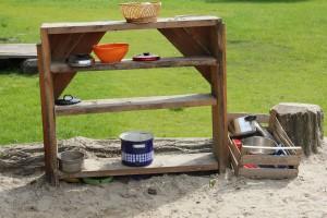 Mud Kitchen in der Kita Leonardo, Gütersloh