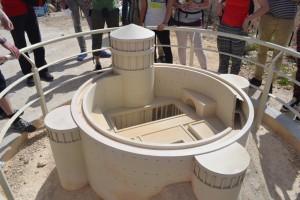 Am Modell kann man den Prachtbau mit den vier Türmen gen den vier Himmelsrichtungen gut erahnen. (Foto: S. Burkard)