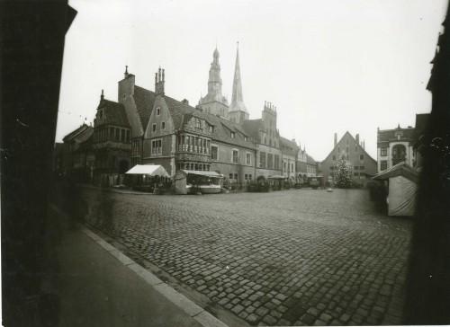 Foto 1: Ansicht des Lemgoer Rathauses von Nord-Westen