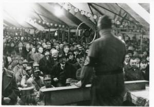 Rede Adolf Hitlers in Lemgo, vermutlich am 11.01.1933 (StaL N1/3648)