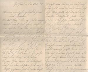 """Feldpostbrief an die Familie Jasper vom 23. Juni 1915, hier die ersten beiden Seiten: """"Hier war es übrigens auch in der letzten Zeit recht kühl, gefroren hat es aber nicht."""""""