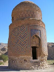 Zaynal_Beg_Mausoleum,_Hasankeyf