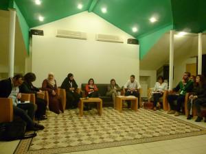 Débat entre représentants d'organisations de jeunes palestiniens, centre culturel Khalil Sakakini.