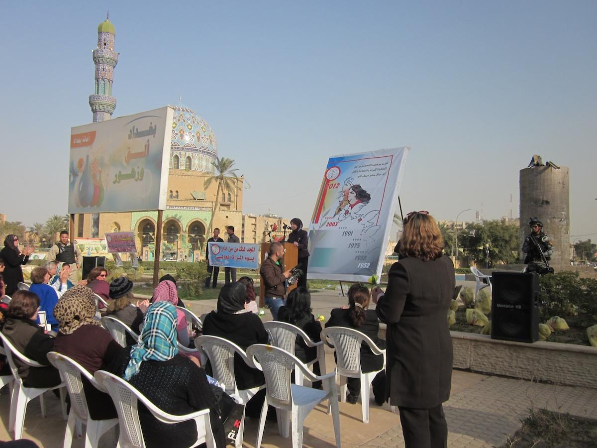 Rassemblement de la Ligue des Femmes Irakiennes (al-Rabitah) sur la place Firdaws au centre de Bagdad, le 8 mars 2012 - Zarha Ali