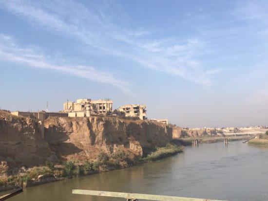 Les vestiges de la citadelle de Tikrit côtoient les palais détruits de l'ancien président irakien