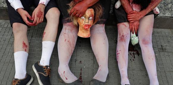 """Radio: """"Wie die Untoten die Demokratie fressen Zombiespiele aus Sicht eines Kulturwissenschaftlers"""" Interview mit Sarah Kriesche für Ö1 – Digital.Leben"""