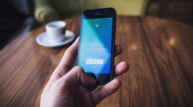Appréhender le discours politique sur Twitter en tant que sémiosphère