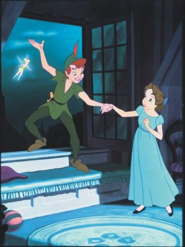 Peter Pan entraînant Wendy hors de sa chambre. Peter Pan, 1953, Walt Disney.