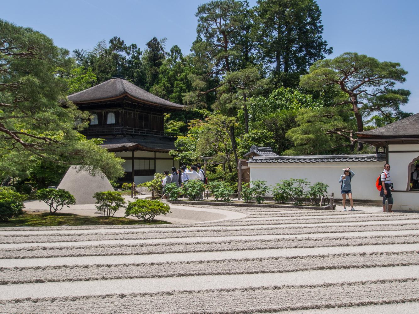 Kyoto, Ginkaku-ji, der eigentliche Silberpavillon (Kannon-den), ein zweigeschossiger Tempel einer höfischen Vorstadtvilla um 1482