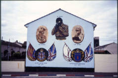 Crowely T., 2000, a�?Loyalist mural, Hopewell Crescent, Lower Shankill, West Belfasta�? Clarmont Colleges Digital Library, http://ccdl.libraries.claremont.edu/cdm/singleitem/collection/mni/id/124/rec/4