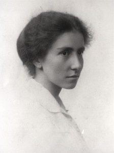 Dorothy Garrod c. 1913. Imagen de libre acceso