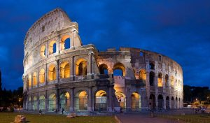 Kolosseum in Rom, gemeinfrei, Quelle: https://de.m.wikipedia.org/wiki/Kolosseum#/media/Datei%3AColosseum_in_Rome%2C_Italy_-_April_2007.jpg