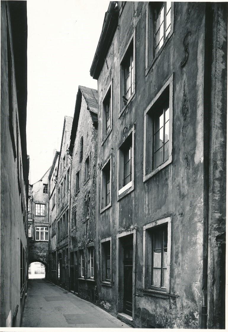 Abb. 1. Judengasse in den 1950er Jahren Bearb.: unbekannt Bestand: Archiv der städtischen Denkmalpflege