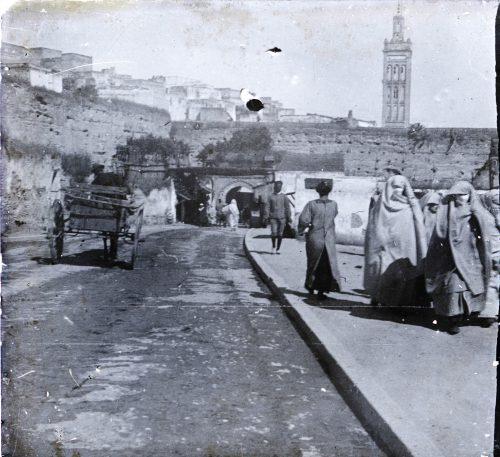 Meknès, une porte. Maroc 1915. Photo © Joseph Miquel