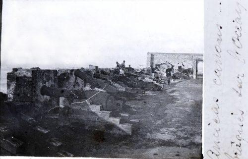"""Anciens canons braqués sur l'Océan"" - Photo © Joseph Miquel, Maroc 1917"