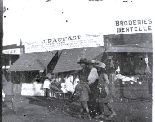Famille Miquel, rue de Rabat Maroc 1918.