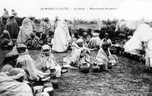 Maroc carte postale 1914 - au souk, marchands de beurre