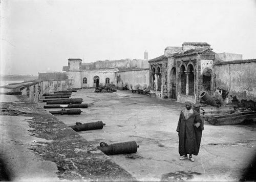 futs de canon au sol - Rabat 1909