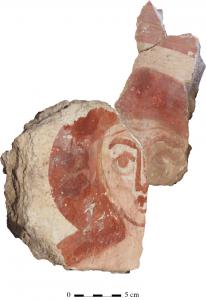 Fragment d'enduit peint trouvé dans les thermes de Taposiris (© MAFTP, 2016)