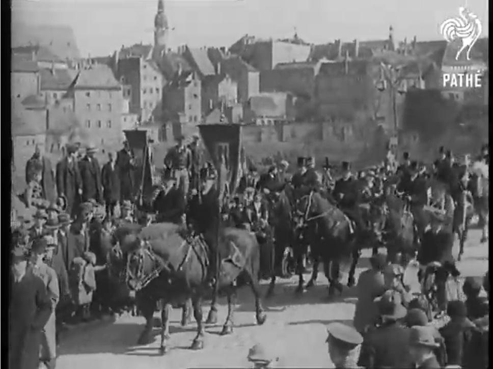 Bautzener Osterreiter im Jahr 1932 (British Pathé, Screenshot)