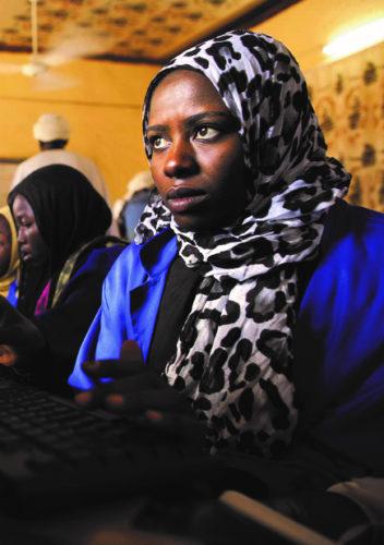 L'apport multiple des usages des TIC par les femmes: sciences, care...