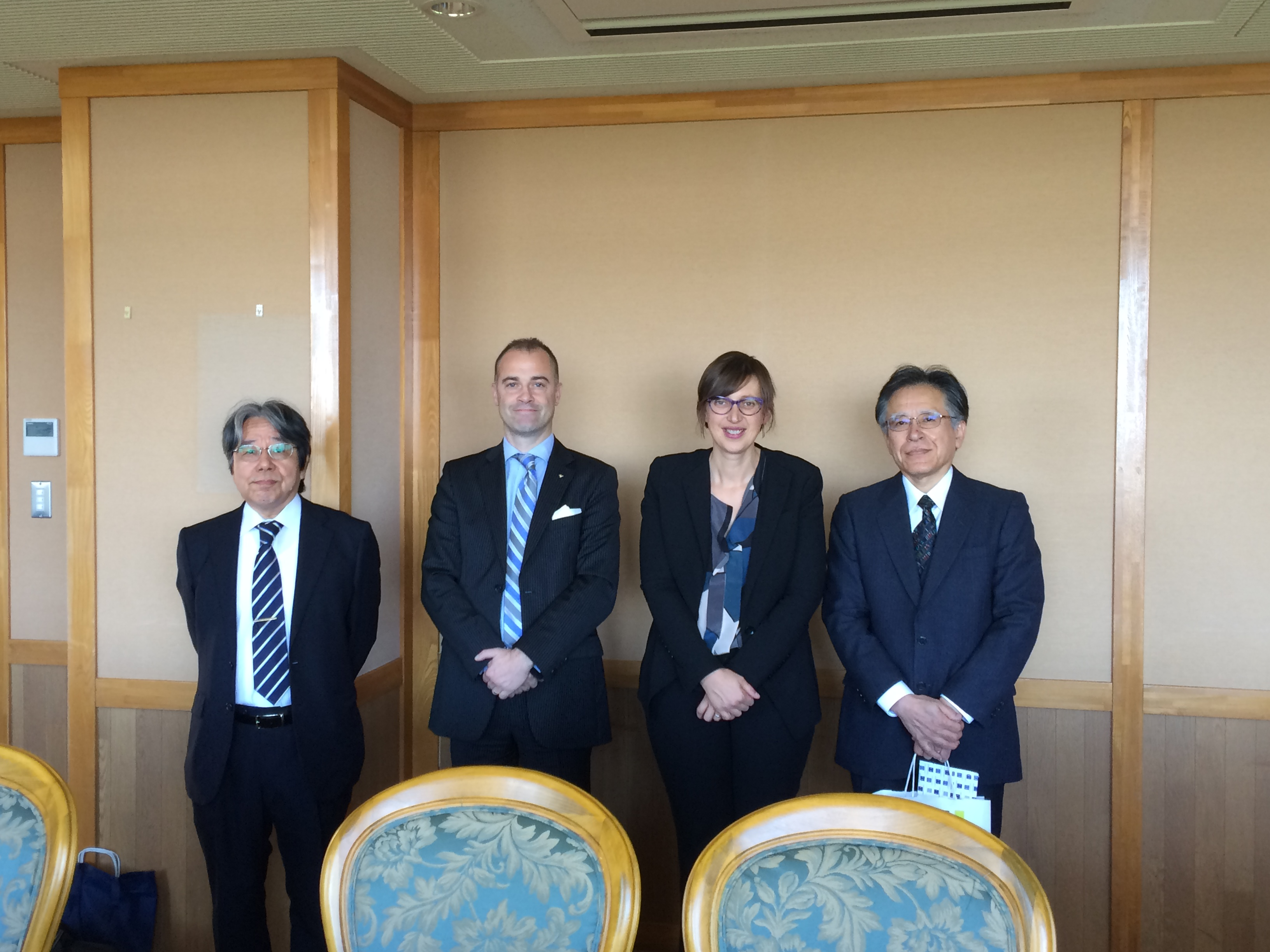Réception à la Faculté des Lettres et Sciences humaines : de gauche à droite, Yutaka TAKAGI, Frédéric LE BLAY, Karine DANIEL, Satoshi KUWAHARA.