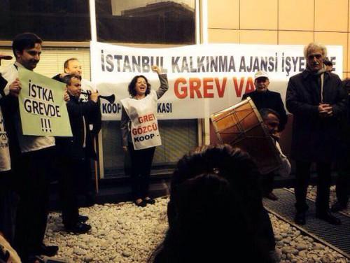 Les salariés d'İKST manifestent - Photo Lucie Drechselovà
