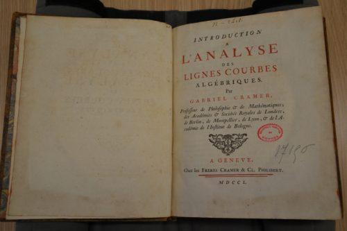 Une photographie personnelle de la page de titre de l'exemplaire conservé à la Bibliothèque de rennes Métropole.