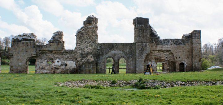 Aile du réfectoire de l'abbaye de Savigny (Savigny-le-Vieux, Manche)