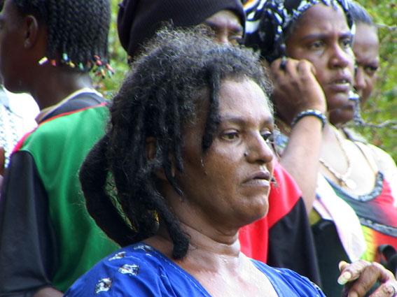 Vieille-femme-rasta-Ile-Maurice-s.jpg