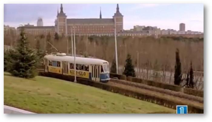Tranvía de la Ciudad universitaria a su paso por el ICH en 1961