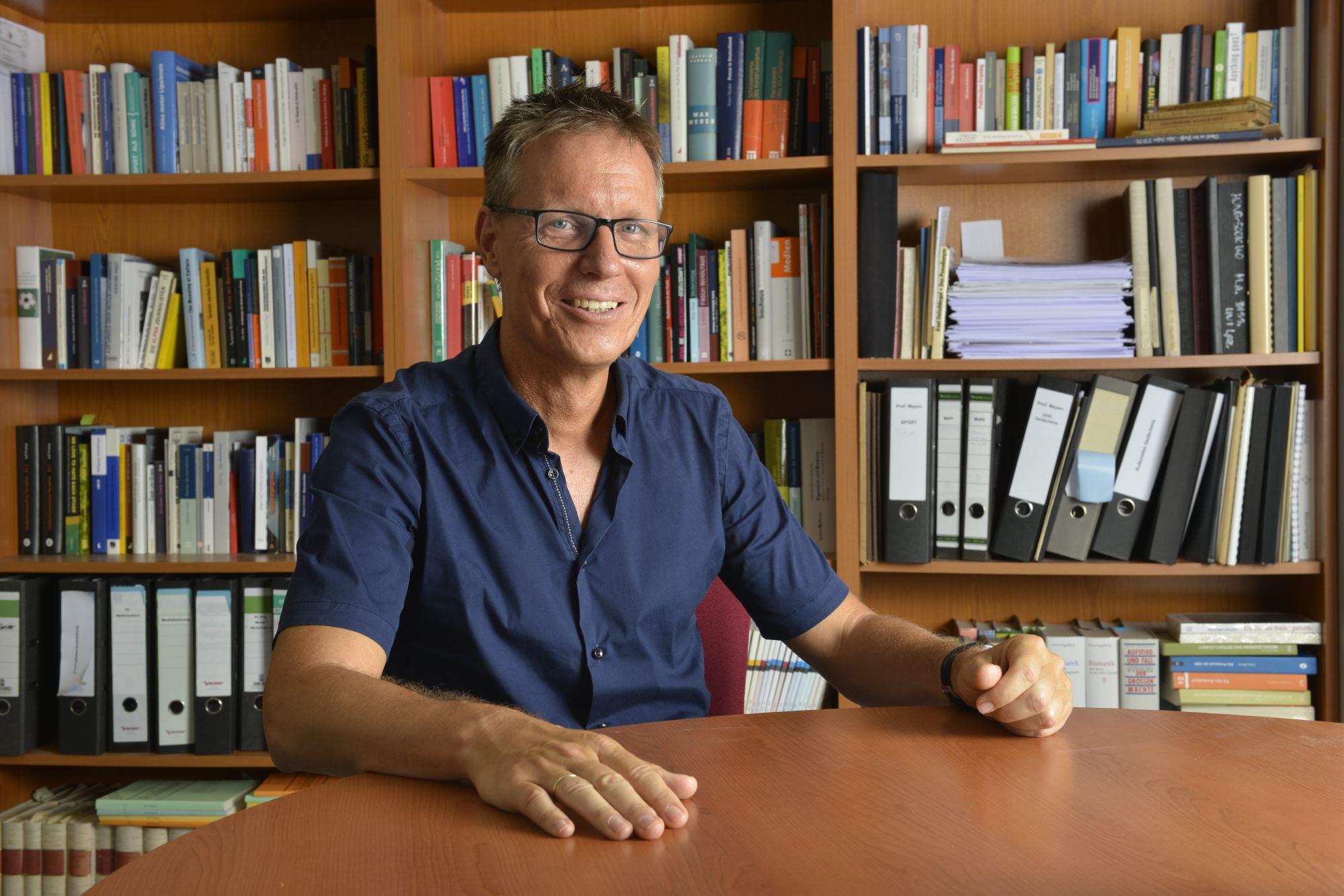 Prof. Dr. Michael Meyen