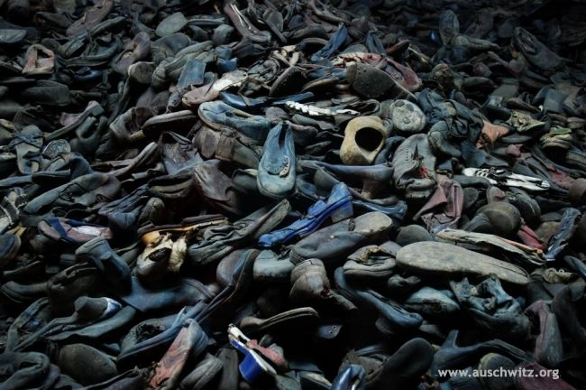 Shoes_Icon_Holocaust_Exhibition