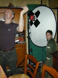 mise en place des éclairages et micros avant le tournage
