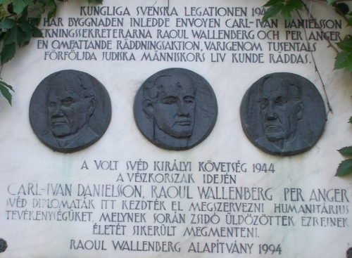 Bayer-villa. Volt svéd nagykövetség. Wallenberg emléktábla. Műemlék helyi védelem alatt ID 8225. - Budapest XI. kerület. Minerva utca, 3/A