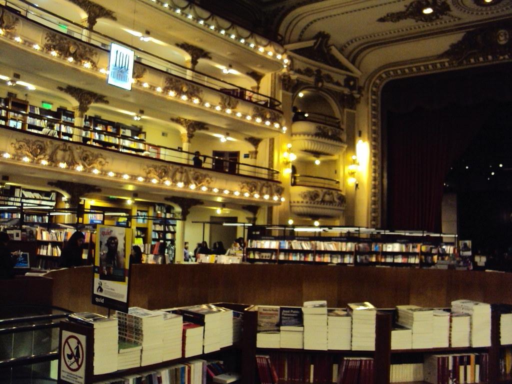 Libraría ateneo, July 16, 2013 | © Courtesy of Mariana Heinz/Flickr.