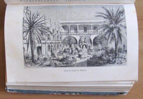 Cour du musée de Mexico