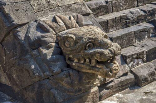 Temple de Quetzalcóatl du site de Teotihuacan