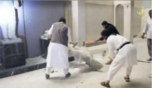 Capture d'écran de la vidéo montrant les destructions dans le Musée de Mossul