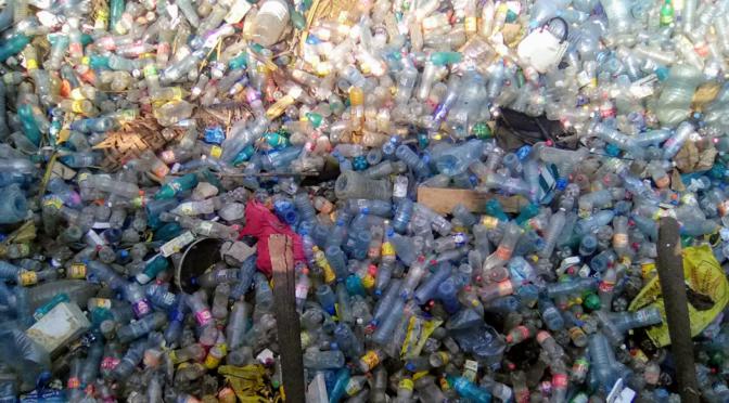 L'Age des Matières Plastiques