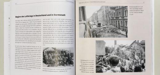 """Innenansicht des Katalogs zur Ausstellung """"75 Jahre Brandnacht - Die Zerstörung Darmstadts im Zweiten Weltkrieg"""", Foto: Wissenschaftsstadt Darmstadt/Rebekka Friedrich"""