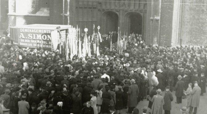 1945: FEIERLICHE RÜCKKEHR DES GENTER ALTARS