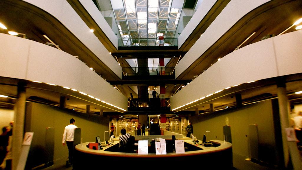 FU-Uni Bibliothek, Berlin, Germany, December 3, 2009   © Courtesy of makotokam/Flickr.